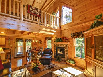 Sevierville cabin rental - Luxury Great Room with cozy loft...