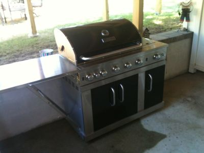 New 2012 Gas Grill w/utensils. Lobster Pot also available.