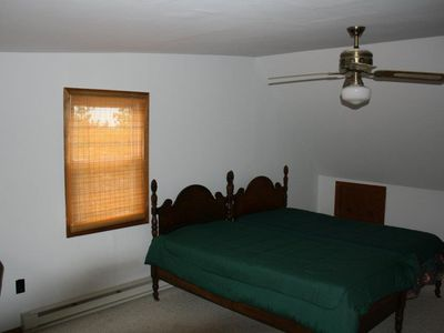Bedroom # 2 (Two twin beds)