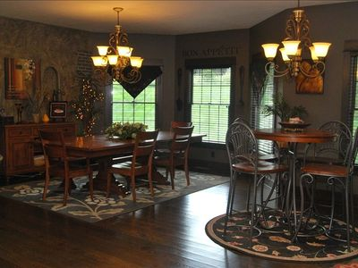 Millersburg house rental - dining room area