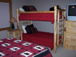 Sunriver house photo - Suite #5: Sleepy Bear Hollow -- Queen Bed & Twin Bunk Bed, Private Bath
