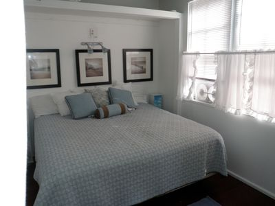 Middletown cottage rental - Bedroom - King or two twins