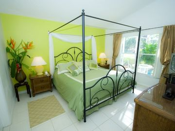 Tropical Romance Room - master suite, king bed, TV