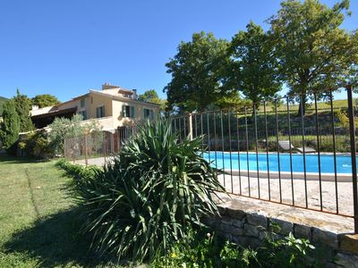 The Luberon, family Moulin dry stone, private swimming pool