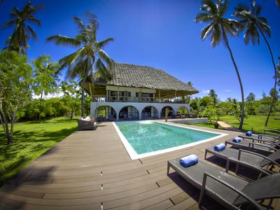 Luxurious, fully equipped and serviced villa right on the beach in Zanzibar.