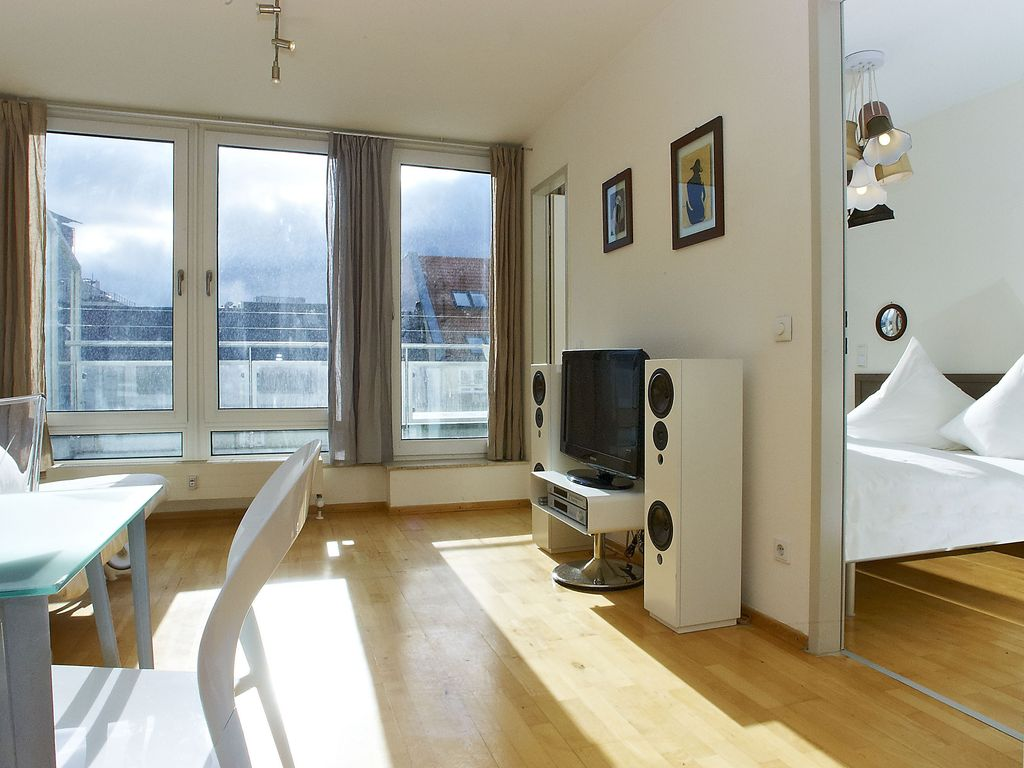 luxury penthouse private terrace on homeaway berlin mitte. Black Bedroom Furniture Sets. Home Design Ideas