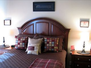 "St. George condo photo - Comfortably Decorated Master Bedroom with Pillowtop Queen Bed and a 26"" TV/DVD"