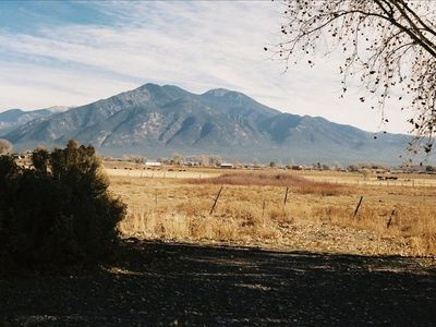 Five minutes away from town with the most spectacular views of the Taos mountain