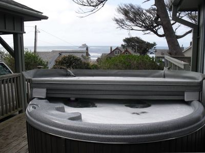 View of the Ocean from the HOT TUB & a Pool table too!