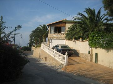 .. PRIVATE OFF ROAD VILLA PARKING***