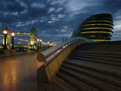 Tower Bridge and the Mayor of London's office at night