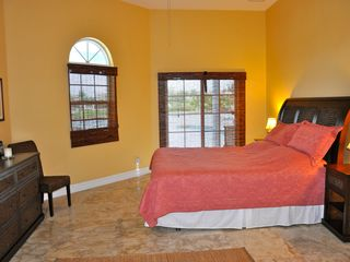 Grand Bahama Island villa photo - Coral Bedroom King Size Bed
