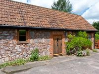 HIGH PARK BARN, pet friendly, with open fire in Uffculme, Ref 14205