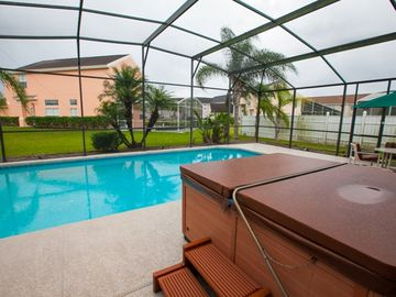 Hamilton Reserve house rental - This house has its own hot tub!!