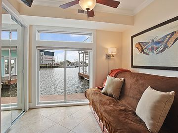 New Orleans HOUSE_BOAT Rental Picture