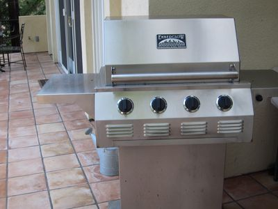 The dedicated guest house BBQ grill.