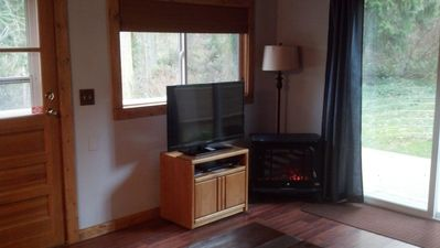 Camano Island cottage rental - TV and DVD player