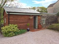 APPLETREE BARN, pet friendly, with open fire in Bream, Ref 24771