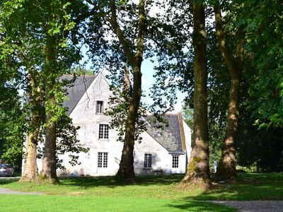 Manor with swimmingpool in heart of the Loire Valley -Up to 15people-