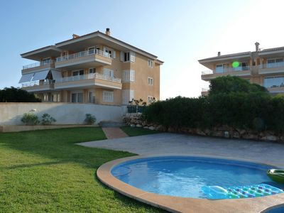 A Short Walk From A Stunning Beach, Restaurants And With A Lovely Swimming Pool