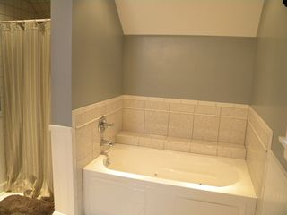 Ludlow house photo - Jetted Tub in Master Bath.