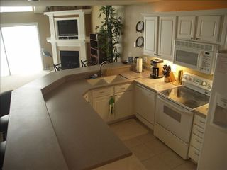 Camdenton condo photo - Spacious kitchen for dining in.