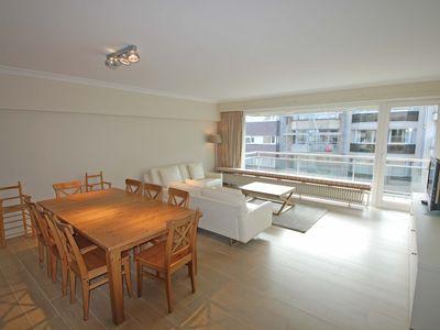Beautifully renovated and spacious apartment with south terrace and sea view