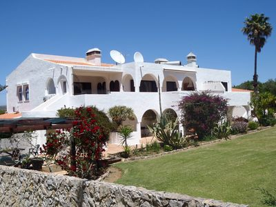 HEATED POOL, tropical gardens, quiet countryside near Lagos and beach - Two bedrooms