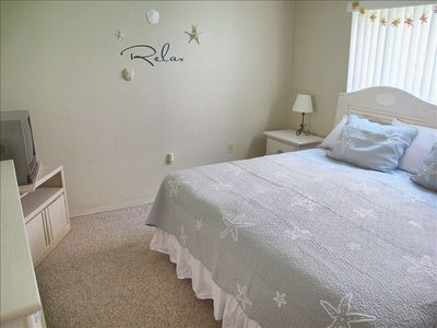 Crisp, clean bedroom can have king bed or twin bed configuration