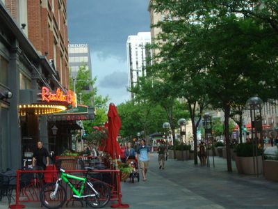 16TH STREET MALL WITH ITS RESTAURANTS