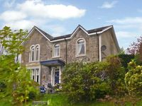 NEWTON HOUSE, family friendly, with a garden in Dunoon, Ref 11545