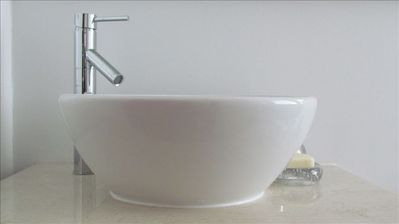 Panama City apartment rental - example of bathroom sink