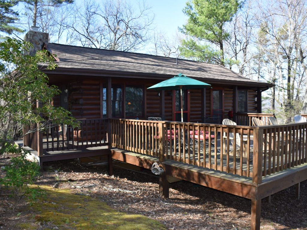 Beautiful blowing rock log cabin with vrbo for Cabin rentals near blowing rock nc