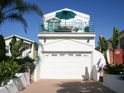"Front View of ""Pacific Wonderland"" w/ furnished patio/deck & BBQ"