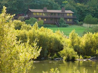 Most Spectacular River Front House on the Rogue River