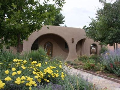 Santa Fe Artisian Retreat: Centrally located to the downtown area.