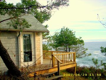 8 Jaquish Lane, Bailey Island, Maine.