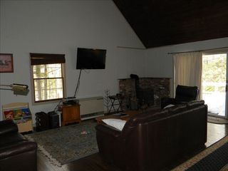 Bartlett chalet photo - Living room with flat panel.
