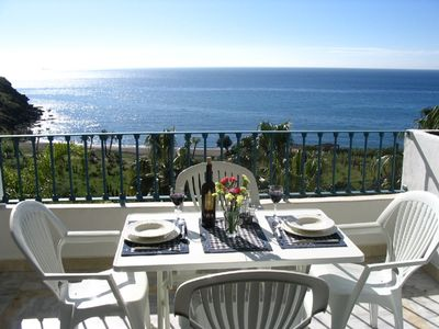 Luxury Apartment On The Beach! Large Balcony With Spectacular View.  Air Con.