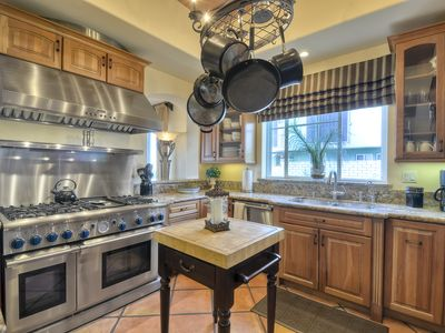 Beautiful Chef's kitchen with top of the line appliances and everything you need