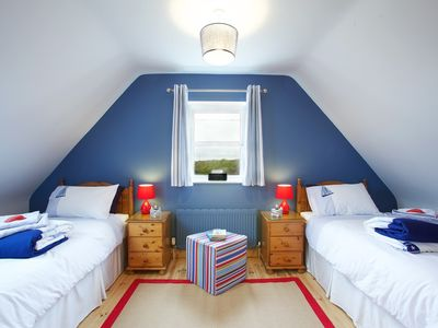 Connemara apartment rental - Dara Twin room