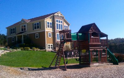 Branson Canyon Neighborhood Clubhouse and Playground