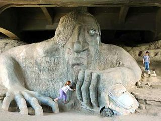 Seattle house photo - kids misbehaving? 10 minute walk to the fremont troll that ate the VW beattle!