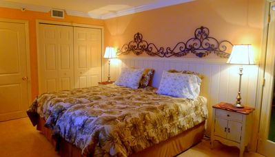 Second bedrom : Twin Long Size beds. Sheets and comforter to do King size bed.