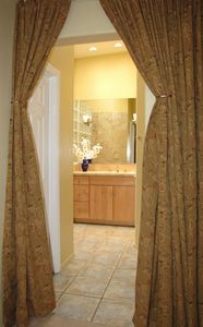 Tucson house rental - master bath