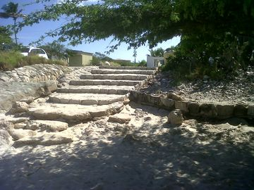 Steps to Malmok Beach