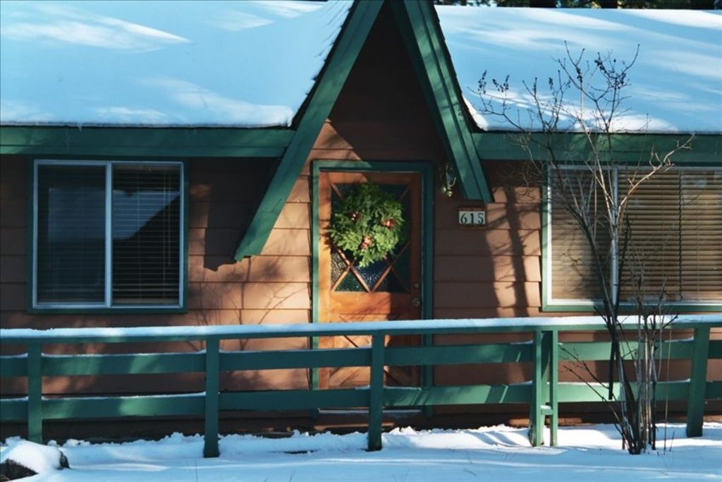 The double b perfect location snow summit cabin w spa for Snow summit cabin