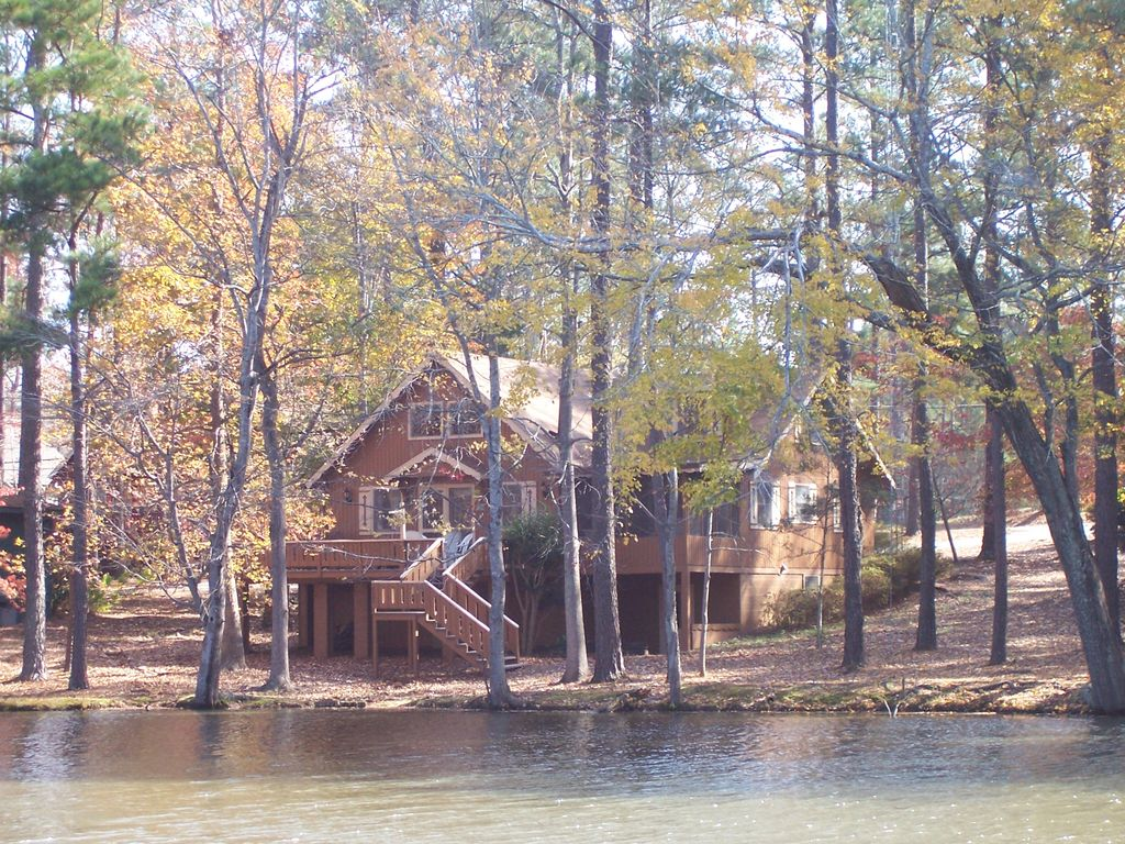 Spacious Chalet On Lake Near Callaway Gardens Vrbo