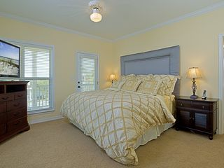 Crystal Beach house photo - Upstairs large master bedroom with large walk-in closet