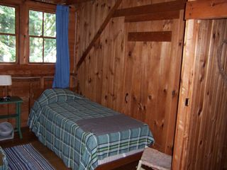 Newfound Lake cottage photo - Twin Bedbroom